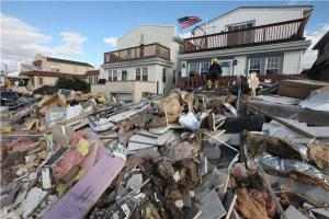 Aftermath of Sandy (Joel Cairo - NY Daily News)
